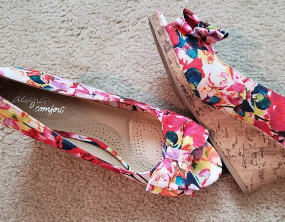 4fdcffd24dd dexflex comfort Shoes - Multi-colored Floral Peep-toe Canvas Wedge Heels
